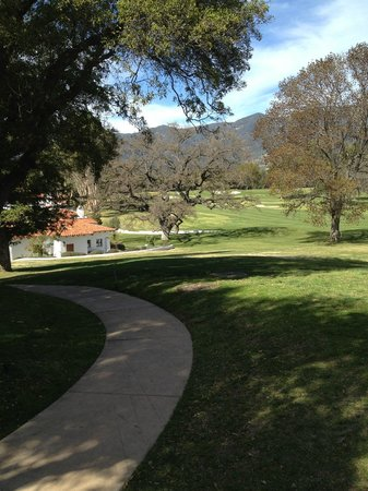 Ojai Valley Inn:                   Enchanting walkways