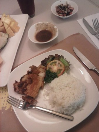 Widus Hotel and Casino: Bagnet lunch