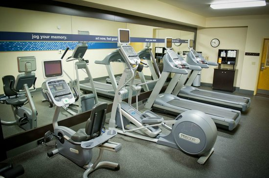 Hampton Inn Oakland-Hayward: Gym