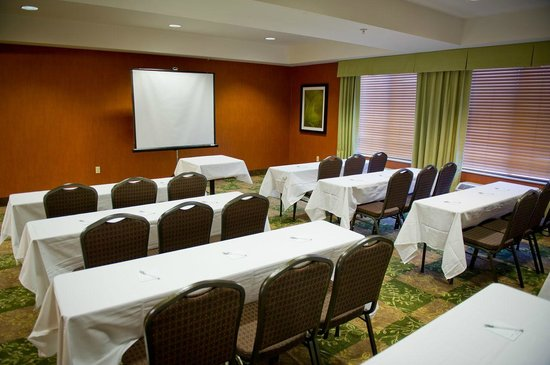 Hampton Inn Oakland-Hayward: Meeting Space