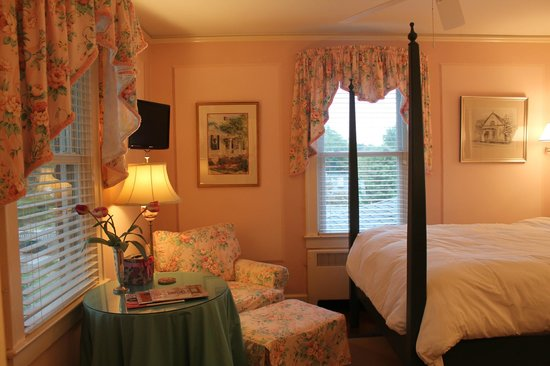 The Manor House :                                     Stilwell Suite