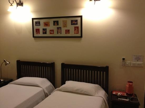 Saket Bed and Breakfast : clean bed room