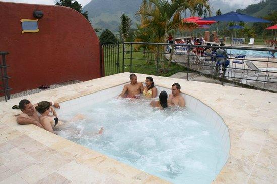 Hotel Hacienda Balandu:                   HOTEL HACIENDA BALUANDU JARDIN COMFENALCO ANTIOQUIA