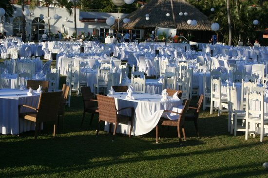 Club Med Ixtapa Pacific:                   The setup for the huge Saturday night dinner
