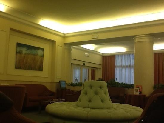 Grand Hotel Adriatico:                   la hall