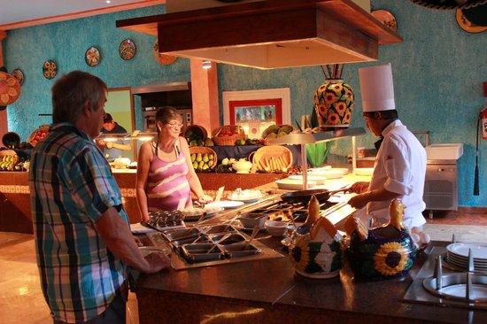Iberostar Quetzal Playacar: Cozumel Buffet