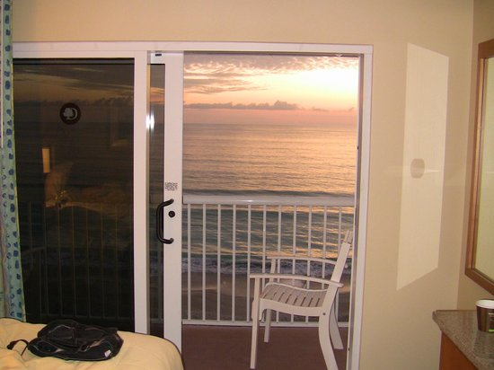 DoubleTree Suites by Hilton Melbourne Beach Oceanfront:                                     Great view from our room!