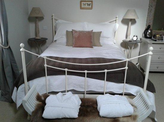 Willow Barns:                   Room 5