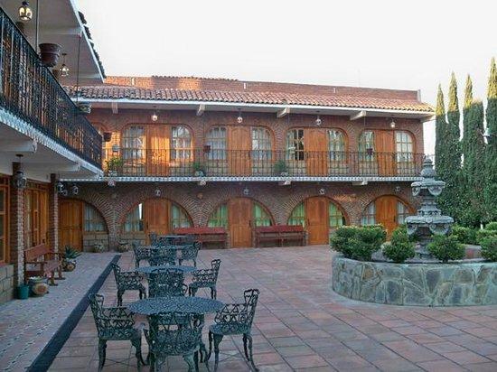 Hotel Hacienda Cuitlahuac: les chambres ouvrant sur la terrasse