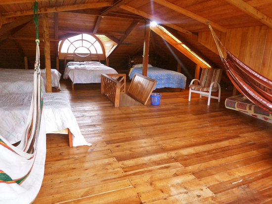 Rubby Hostal: Spacious 6 bed dorm in the attic