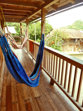 ‪‪Rubby Hostal‬: Relax in the hammocks overlooking the Ecuadorian cloud forest‬
