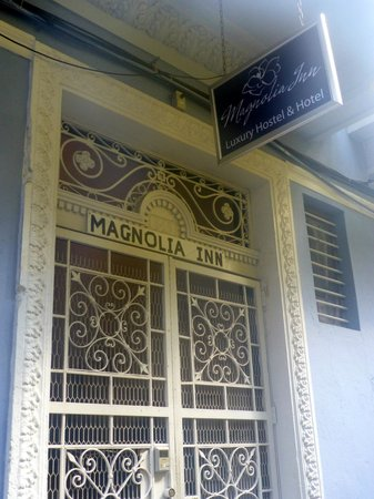 Magnolia Inn:                   The entrance