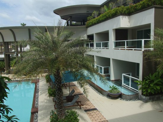 Anyavee Tubkaek Beach Resort:                   A view of the hotell complex