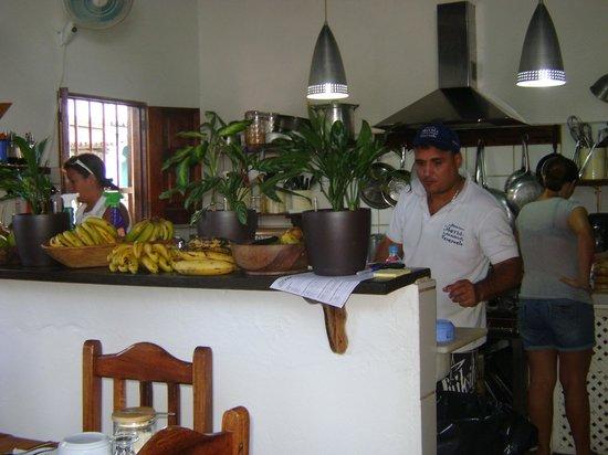 Posada Movida:                   Harry in cucina