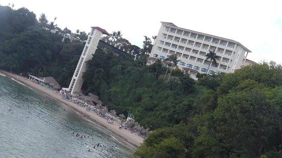 Grand Bahia Principe Cayacoa:                   Resort from Bridge to nowhere