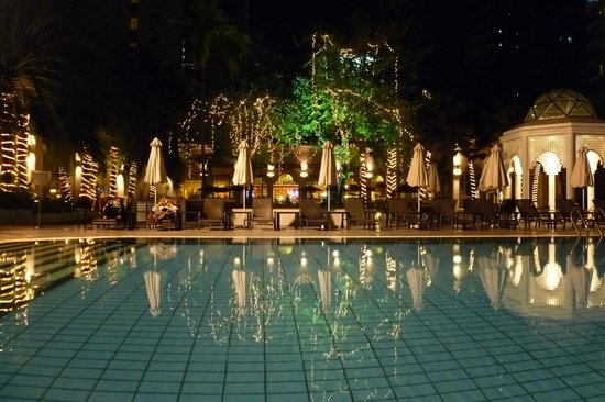 Hotel Istana:                   Pool / Restaurant / Grounds