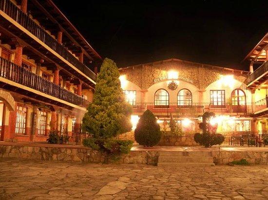 Hacienda Santa Cecilia: de nuit