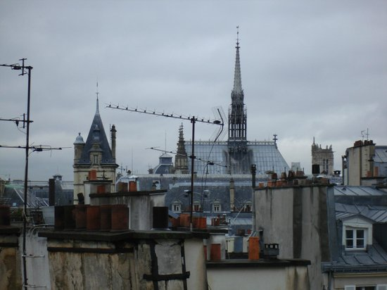 Holiday Inn Paris - Notre Dame:                   view from room