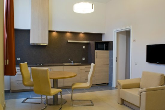 Hotel Soleil Szeged : Standard room's common area