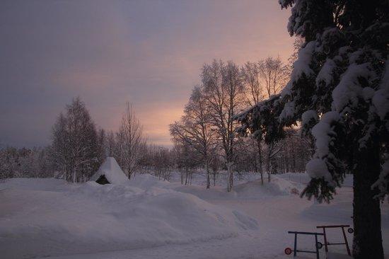 Yllasjarven Tunturihotelli:                   lever du jour depuis la chambre de l'hôtel