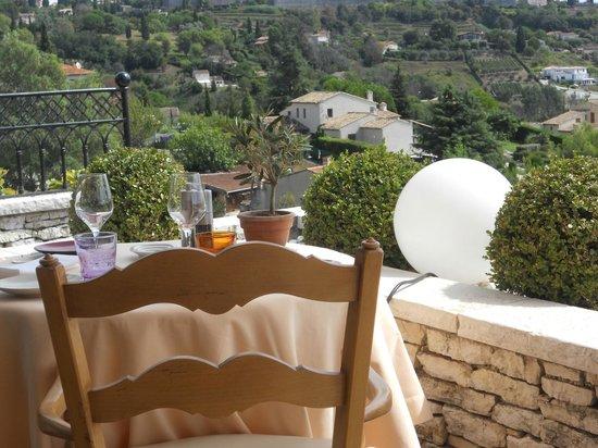 Hotel Alain Llorca:                   repas en terrase
