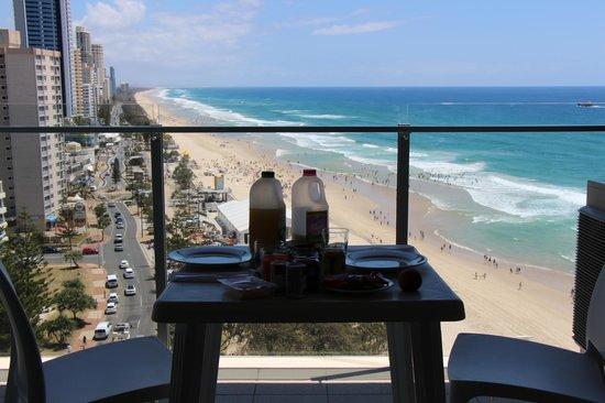 One The Esplanade:                   Utsikt fra balkongen