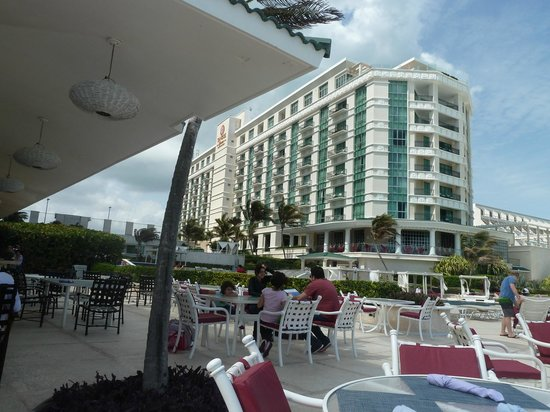 Sandos Cancun Lifetyle Resort:                   Hotel from the outside bar/grill area (great burgers and drinks)