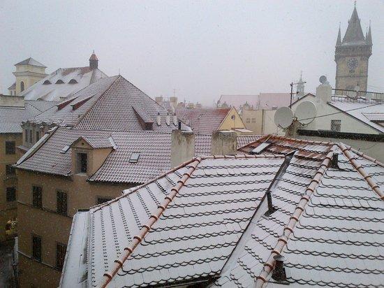 أركيديا ريزيدنس: View of the clock tower from the apartment