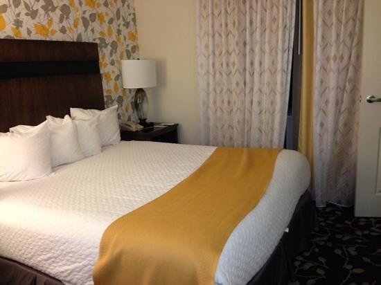 Embassy Suites by Hilton Napa Valley:                   king suite bedroom