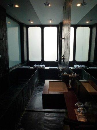 URBN Hotel Shanghai: Amazing bathroom
