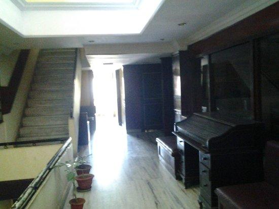 Taj Home Hotel: Lobby Area
