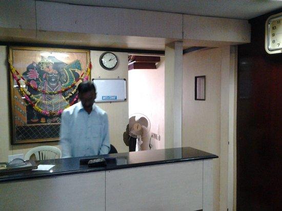 Taj Home Hotel: Front desk reception