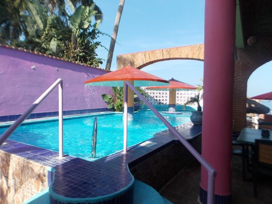 Hotel Decameron Los Cocos: Beach Club Pool