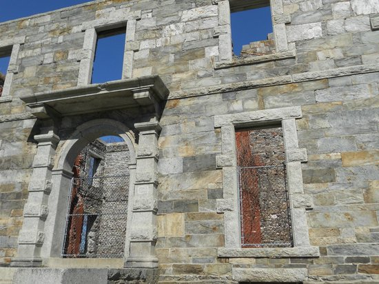 Fort Williams Park:                   Unfortunately no entry to the huge stone house on the hill… :(