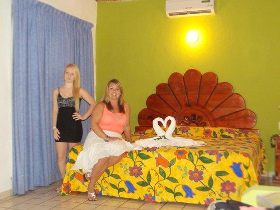 Hotel Decameron Los Cocos: Our Room