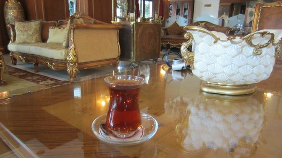 Deluxe Golden Horn Sultanahmet Hotel:                   Turkish Tea