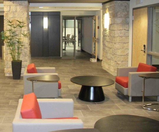 Best Western Plus Eastgate Inn & Suites: Lobby