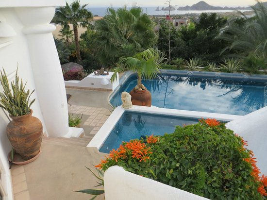 Casa Contenta Bed and Breakfast:                   View of El Arco de Cabos from the Pool at Case Contenta