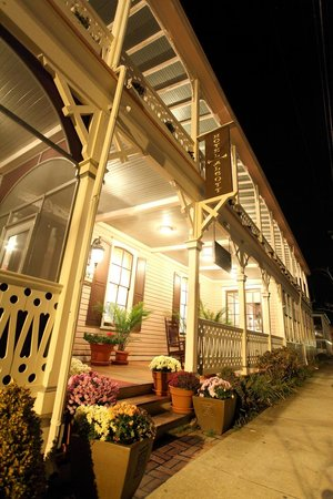 Hotel Alcott and La Verandah Restaurant