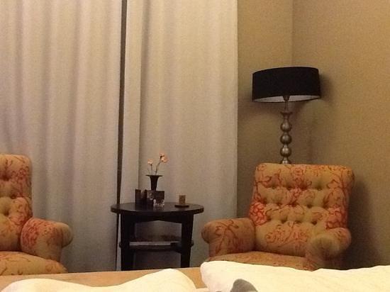 Hotel Telegraaf:                   room
