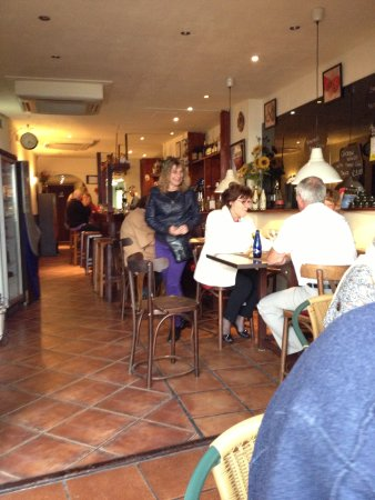 Gastropub Viceversa: Small but cosy - from terrace