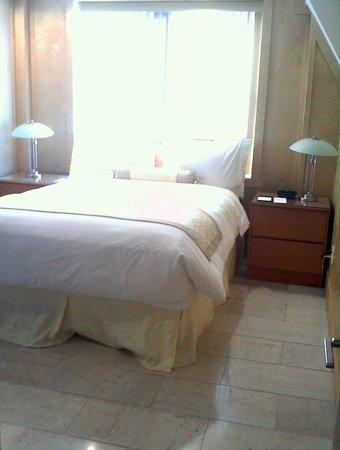 埃爾登豪華套房飯店照片