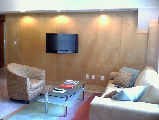 ذا إلدون لكشري سويتس: Spacious Living Room