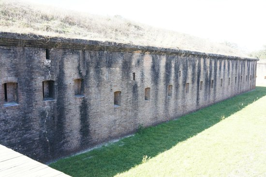 Fort Barrancas: Fort walls