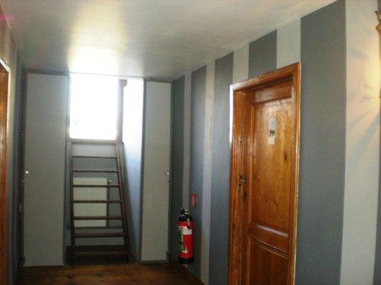 Hancelot:                   périmètre réduit des 4 chambres avec 2ème escalier de secours