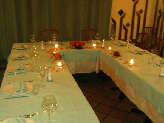 Trattoria Vittoria:                   Il tavolo che ci hanno preparato....bello no?