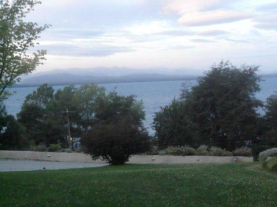 Villa Huinid Resort & Spa:                   Vista desde los jardines