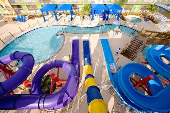 Flamingo Waterpark Resort: Slides