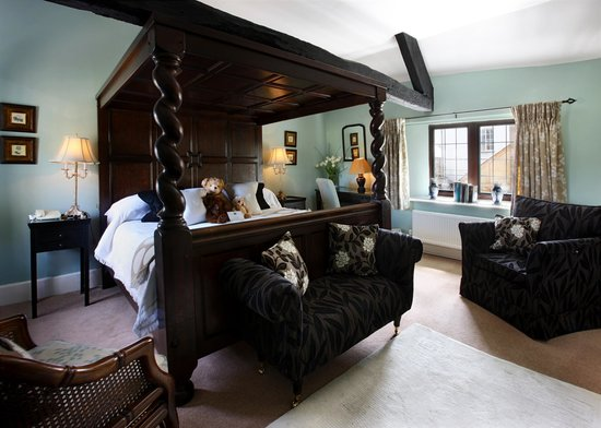 Burford House: Deluxe en-suite Four Poster Double Southrop