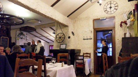 La Grange de la Vallee:                   Salle du restaurant